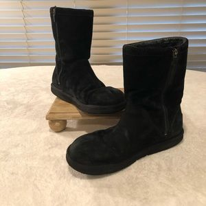 Ugg Roslynn Black Boots w/Zippers
